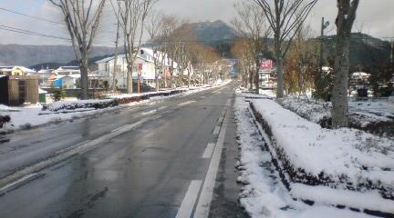 ホテルの前の道