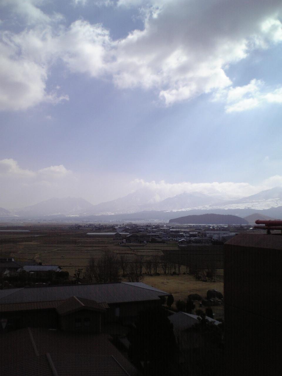 雪の阿蘇山